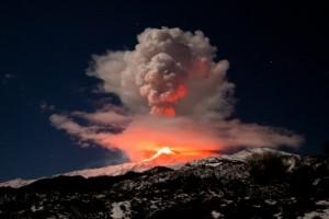 13032952_xxl-etna-eruption-opt
