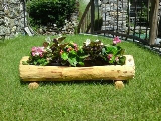 Costruire una fioriera da un tronco d 39 albero - Fioriere in legno per giardino ...